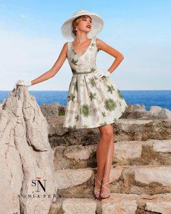 elegantna_kratka_obleka_z_rozami_za_price_svatinje_na_poroki