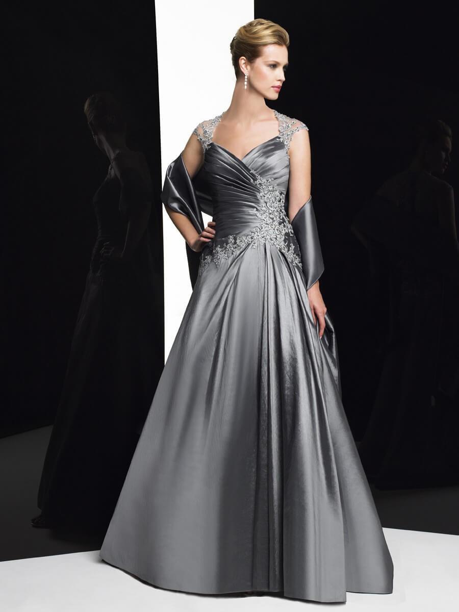 dolga_svecana_elegantna_obleka_za_mocnejse_postave