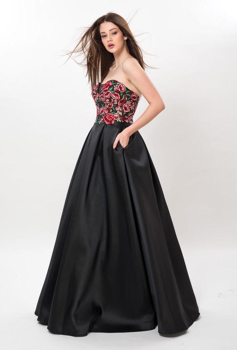 dolga_princes_bogata_maturantska_obleka_z_rožami