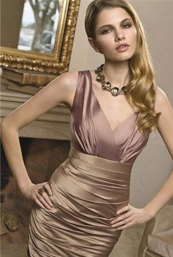 elegantna_zenska_obleka_za_mocnejse_postave