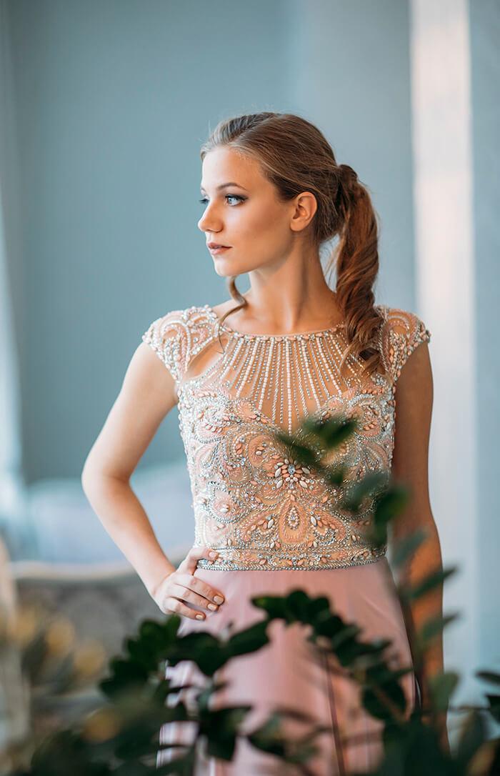 dolga_maturantska_obleka_s_kristalcki