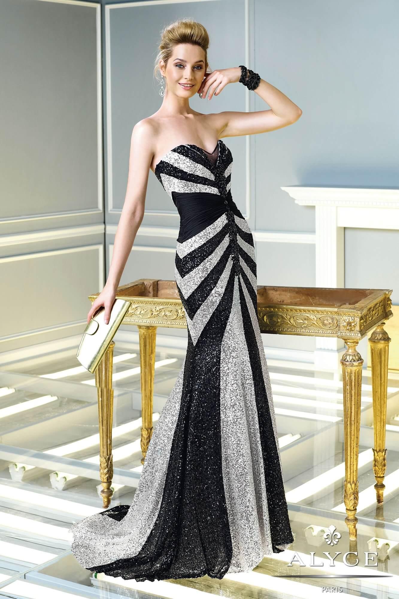 dolga_maturantska_obleka_z_blescicami_elegantna_morska_deklica_svecana
