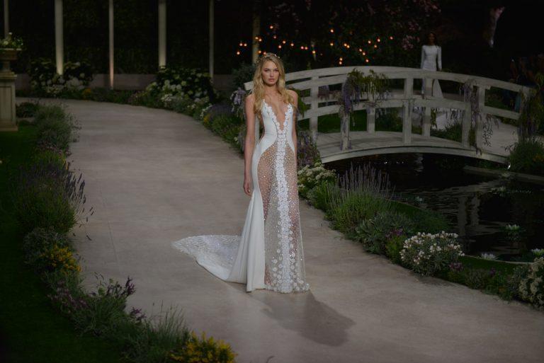 seksi poročna obleka
