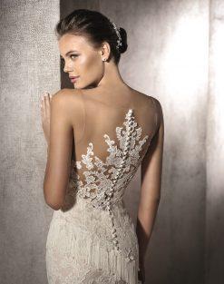 poročne obleke z odprtim hrbtom